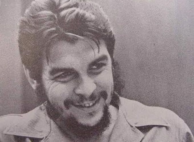 Cubans treat man who killed Che