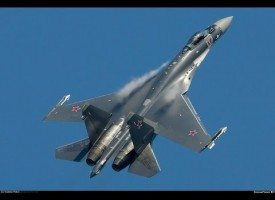 Absolutely amazing flight demonstration of the SU-35 at the MAKS Air Show
