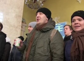 Soviet song Old Maple  performed at the Kharkov train station  in Ukraine