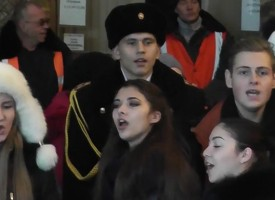"From ""grandmas separatists"" in Mariupol to students in Donetsk the relay race of Russian patriotic songs keeps on, by Scott Humor"