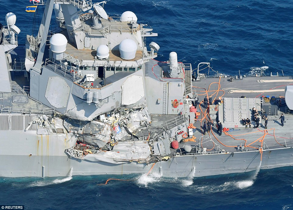 http://chinarising.puntopress.com/wp-content/uploads/2017/09/USS-Fitzgerald-damaged-by-collision-in-SCS-17.6.jpg