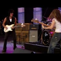 Jeff Beck and Tal Wilkenfeld – Cause We Ended as Lovers