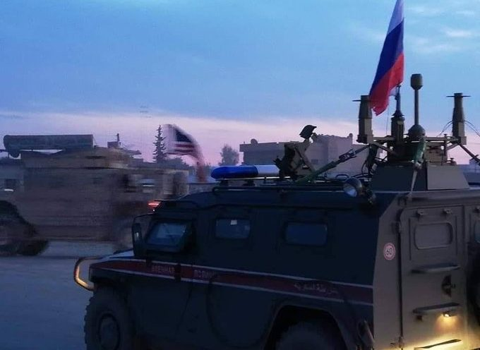 Iconic photo: Russian and American troops crossing each other's route in northeast Syria