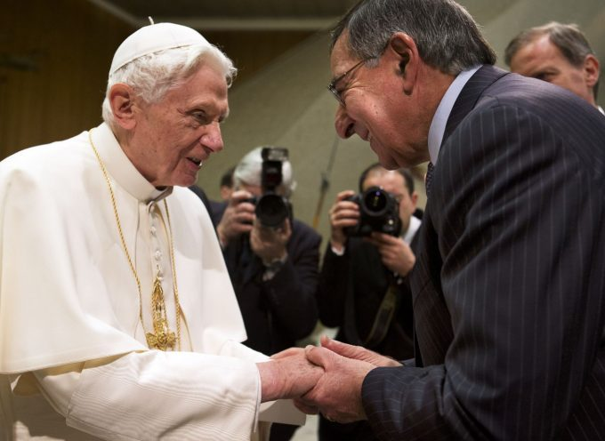 """Pope thanks CIA war criminal for """"protecting the world"""""""