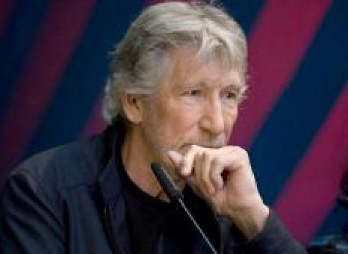 "Roger Waters: ""You want to start a war with the Russians? Are you crazy?"""
