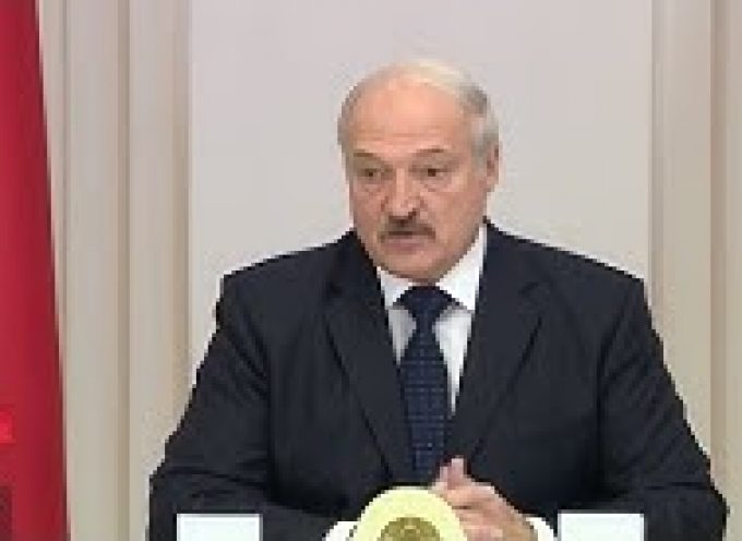 "Lukashenko Declares a ""Gas War"" on Russia After Putin's Free Loan"